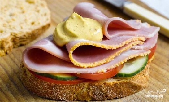 Бутерброд с ветчиной