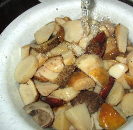 Маринованные белые грибы на зиму - фото шаг 3