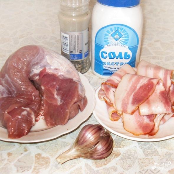 Рецепт Запеченная свиная вырезка в беконе