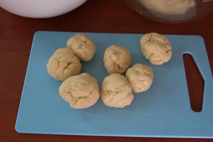 Пирожки с сосисками и сыром - фото шаг 5