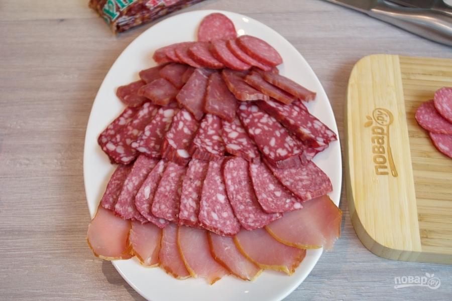 Нарезка из колбасных изделий