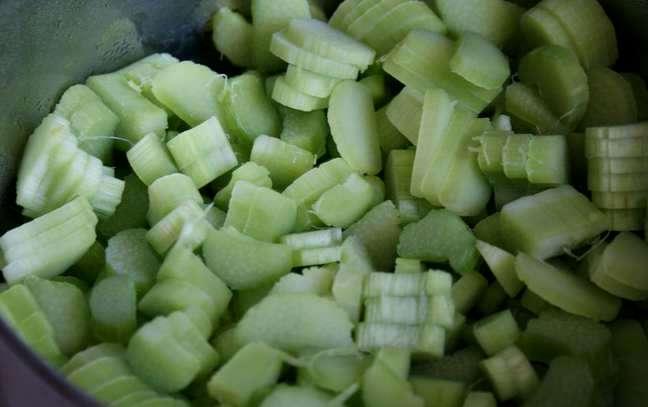 Рецепт Варенье из ревеня с яблоками