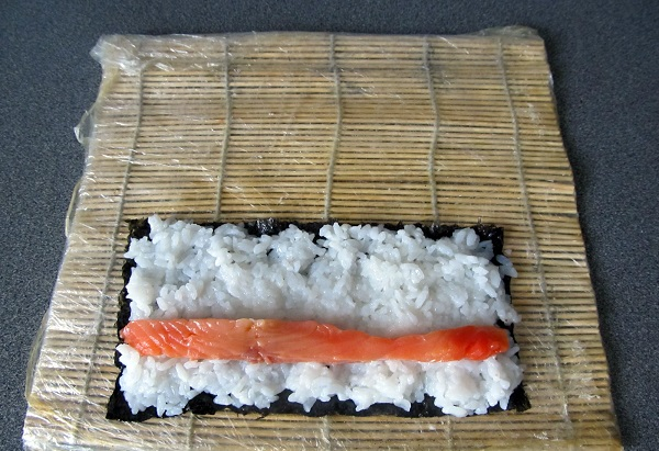 Суши с семгой - фото шаг 3