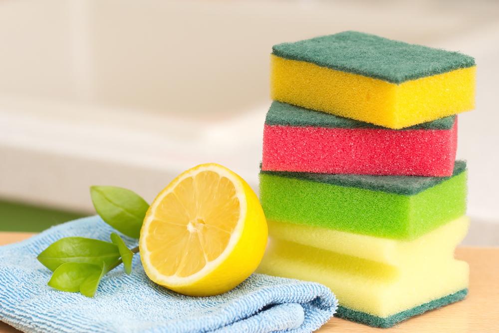 Лимон поможет чистить стекла и отбелить ткань