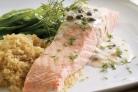 Отварная рыба под соусом