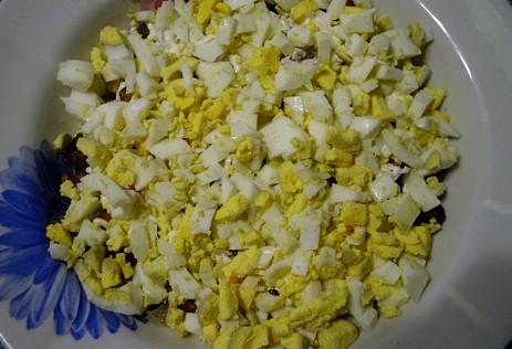 Салат с лисичками и сыром - фото шаг 2
