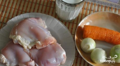 Куриные бедра, тушенные в мультиварке - фото шаг 1