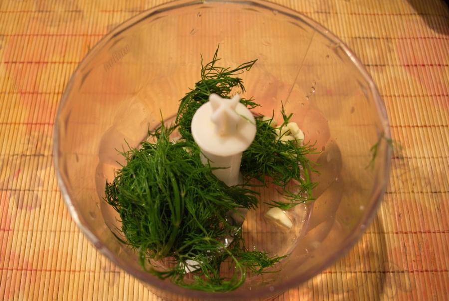 Лепешки с зеленью на сковороде - фото шаг 3