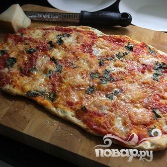 Пицца с помидорами и базиликом - фото шаг 8
