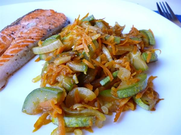 Кабачки с морковью и луком - фото шаг 5