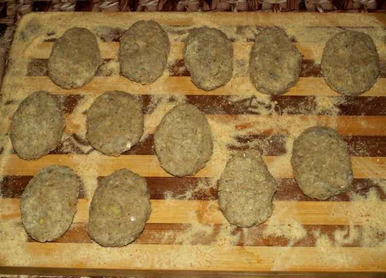 Котлеты из консервов рыбных - фото шаг 8