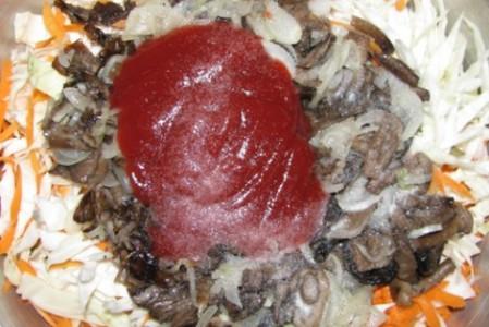 Вкусная капуста с грибами на зиму - фото шаг 8