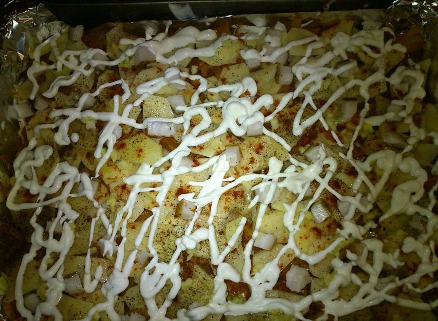 Капуста в духовке с картошкой - фото шаг 6