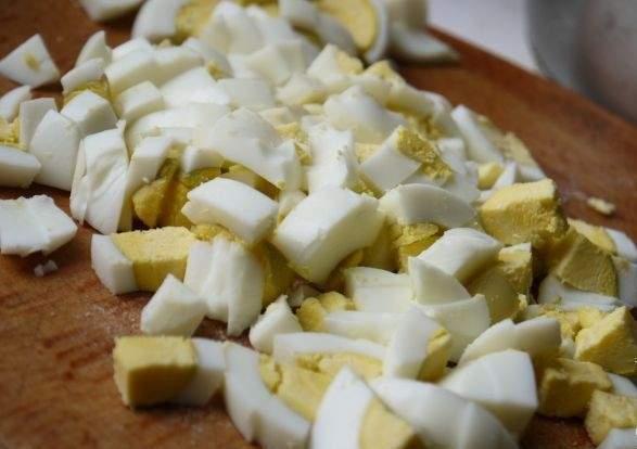 Салат с отварной свининой - фото шаг 5