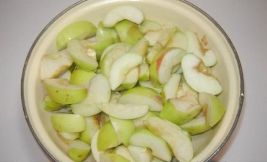 Утка с яблоками в утятнице - фото шаг 3