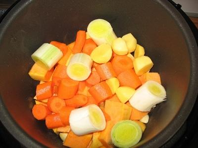 Суп из тыквы в мультиварке - фото шаг 2
