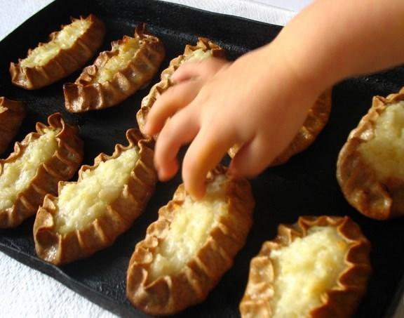 Карельские пирожки - фото шаг 10