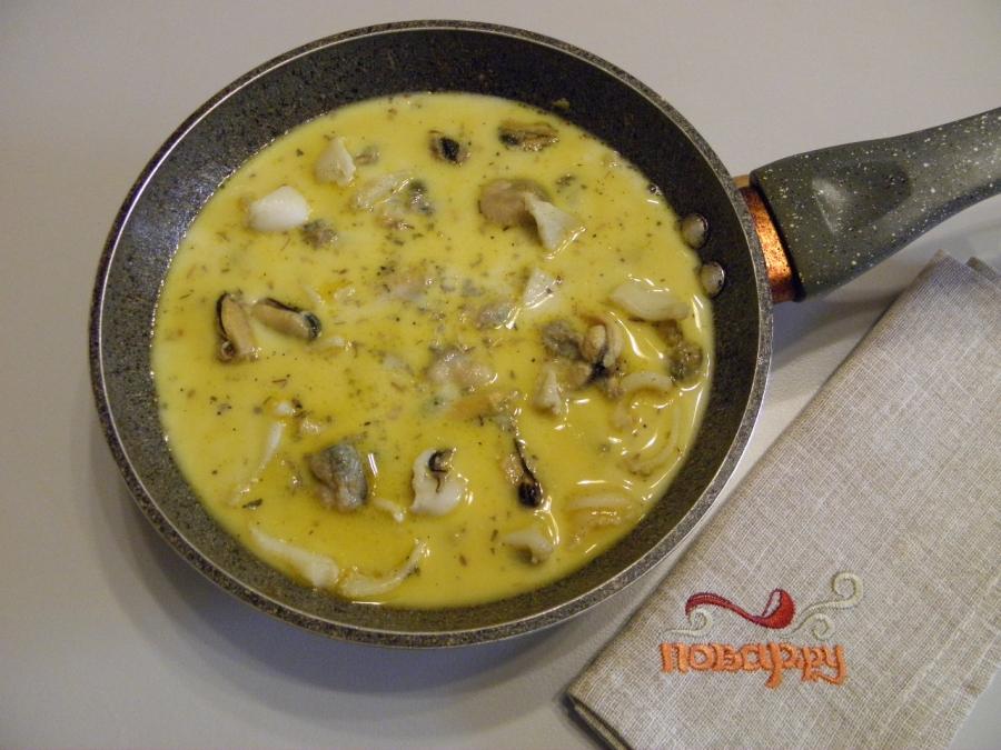 Морепродукты в сливочном соусе - фото шаг 3