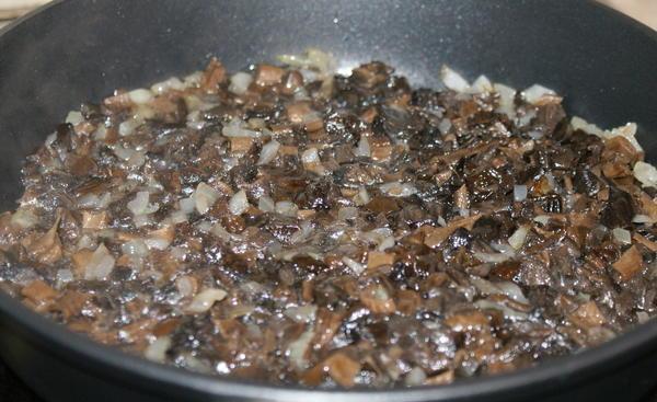 Пельмени с грибами - фото шаг 5