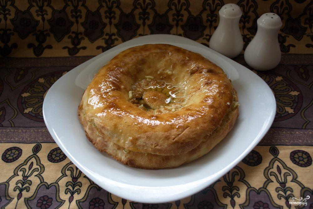 Толстый лаваш с сыром и бужениной
