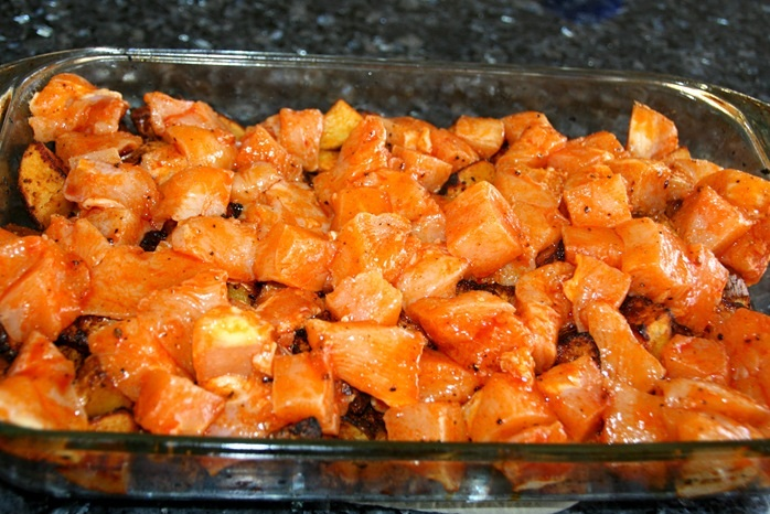 Курочка с картошкой в духовке - фото шаг 8