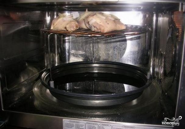 Как сделать корочку на мясе в микроволновке