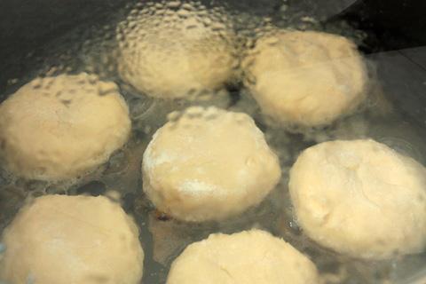 Сырники на сковороде - фото шаг 5