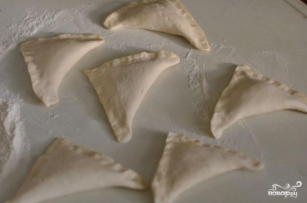 Слоеные пирожки с капустой - фото шаг 3