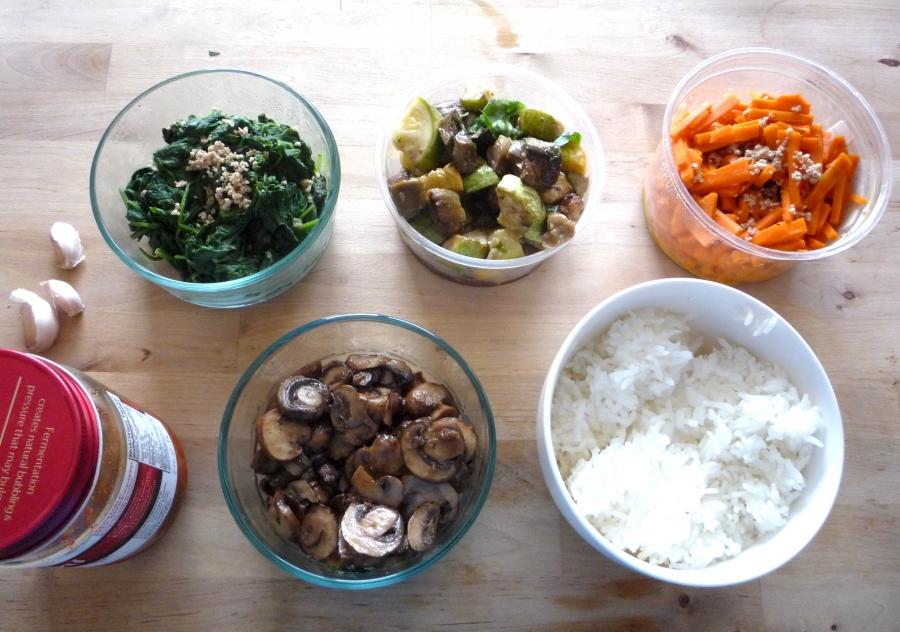 Рецепт Салат с корейской морковкой и курицей
