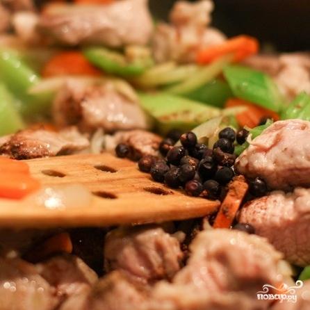 Рагу со свининой, овощами и лапшой - фото шаг 4