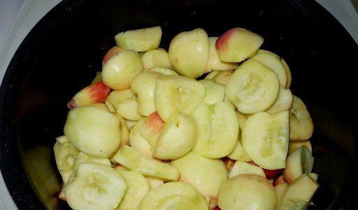 Пюре из яблок в мультиварке - фото шаг 1
