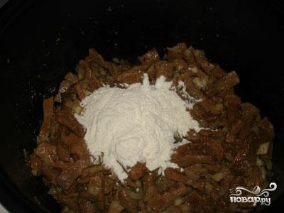 Печень по-строгановски в мультиварке - фото шаг 4