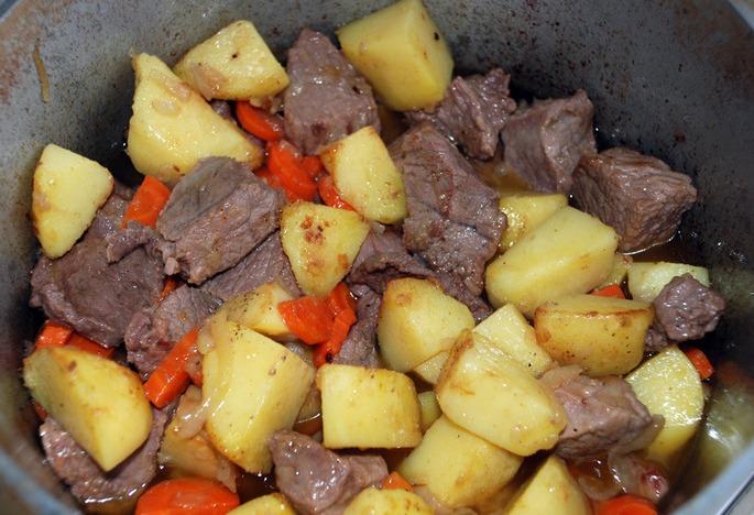 Жаркое по-домашнему из говядины - фото шаг 6