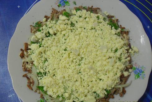 Салат из отварной печени - фото шаг 3