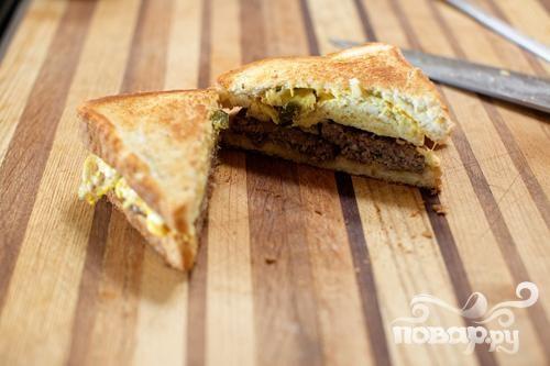 Сэндвичи с колбасой и халапеньо
