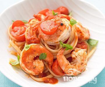 Рецепт Паcта с креветками, помидором и базиликом