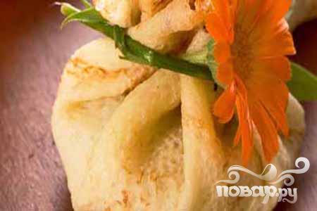 Рецепт Мешочки с яблоками и изюмом