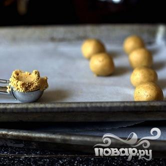 Арахисовые шарики в глазури - фото шаг 3
