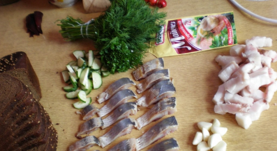 Бутерброды с салом - фото шаг 1