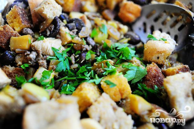 Кукурузный хлеб с колбасой и яблоками - фото шаг 7