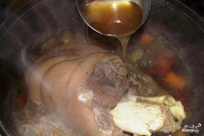 Свиная рулька в пиве с медом - фото шаг 3
