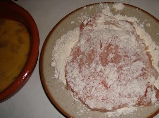 Мясо в сырной панировке - фото шаг 2