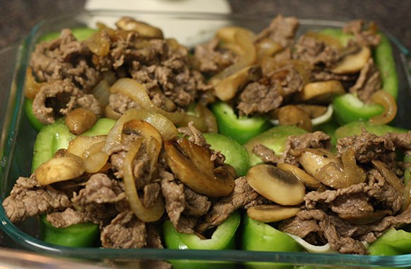 Перец, фаршированный мясом и грибами - фото шаг 8