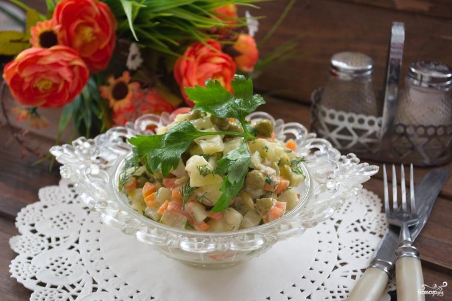 Картофельный салат с кальмарами и огурцами - фото шаг 7