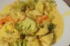 Кусочки курицы с овощами