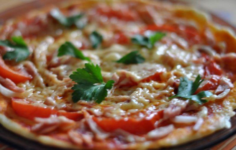 """Пицца """"Минутка"""" в микроволновой печи - фото шаг 3"""