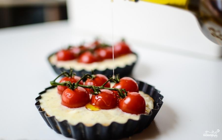 Тарталетки с сыром и помидорами - фото шаг 8