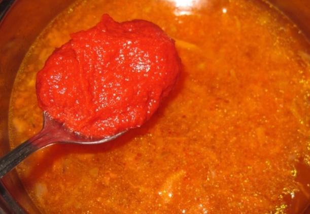 Куриный суп с томатной пастой - фото шаг 2