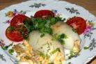 Кальмар, фаршированный грибами и яйцом