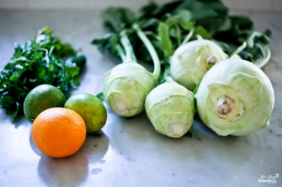 Салат с кольраби и зеленью - фото шаг 1